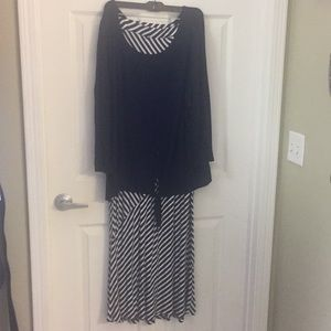 Dresses & Skirts - 2X Maxi Skirt AND 3X Top